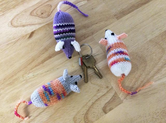 knit mice_small